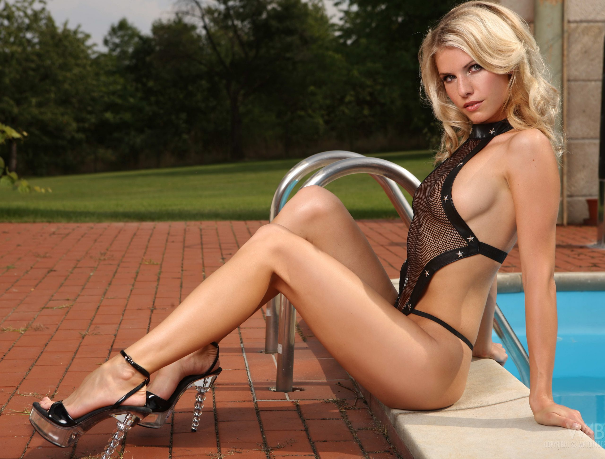 Croydon escorts - Breathtaking Blonde