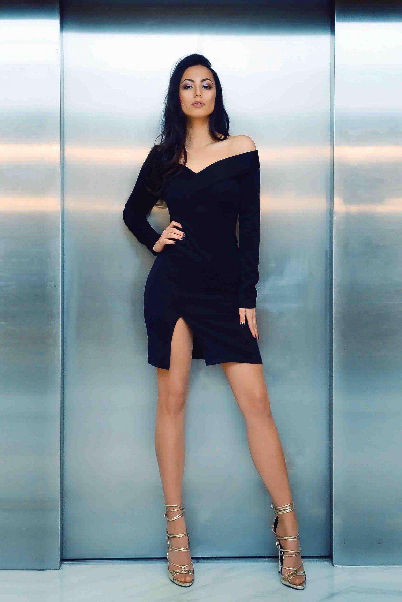 Heathrow escorts - leggy London model